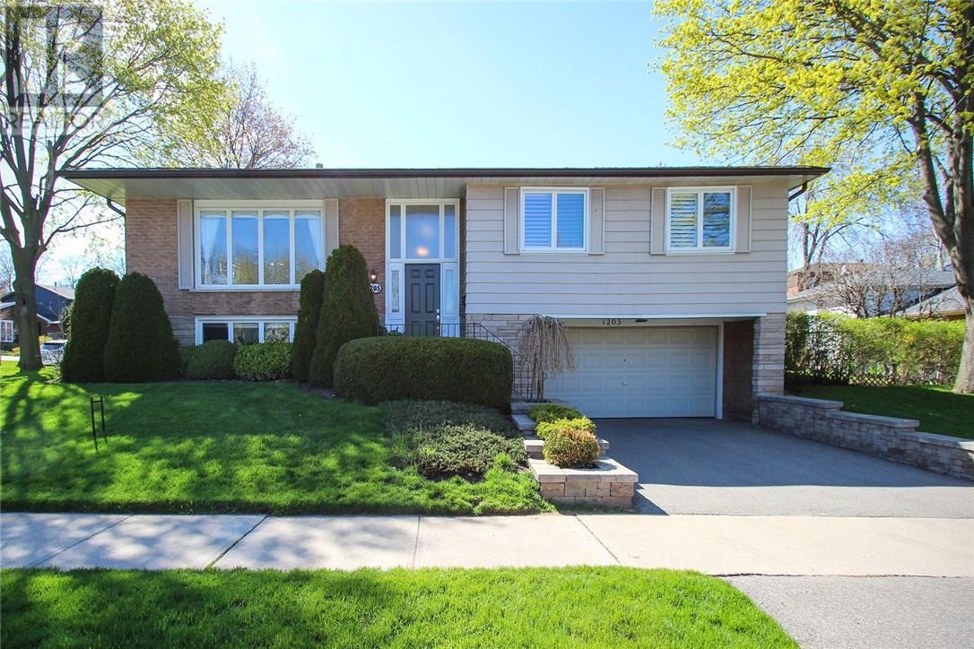 1205 Falgarwood Drive, Oakville, Ontario  L6H 2L5 - Photo 1 - 30733415