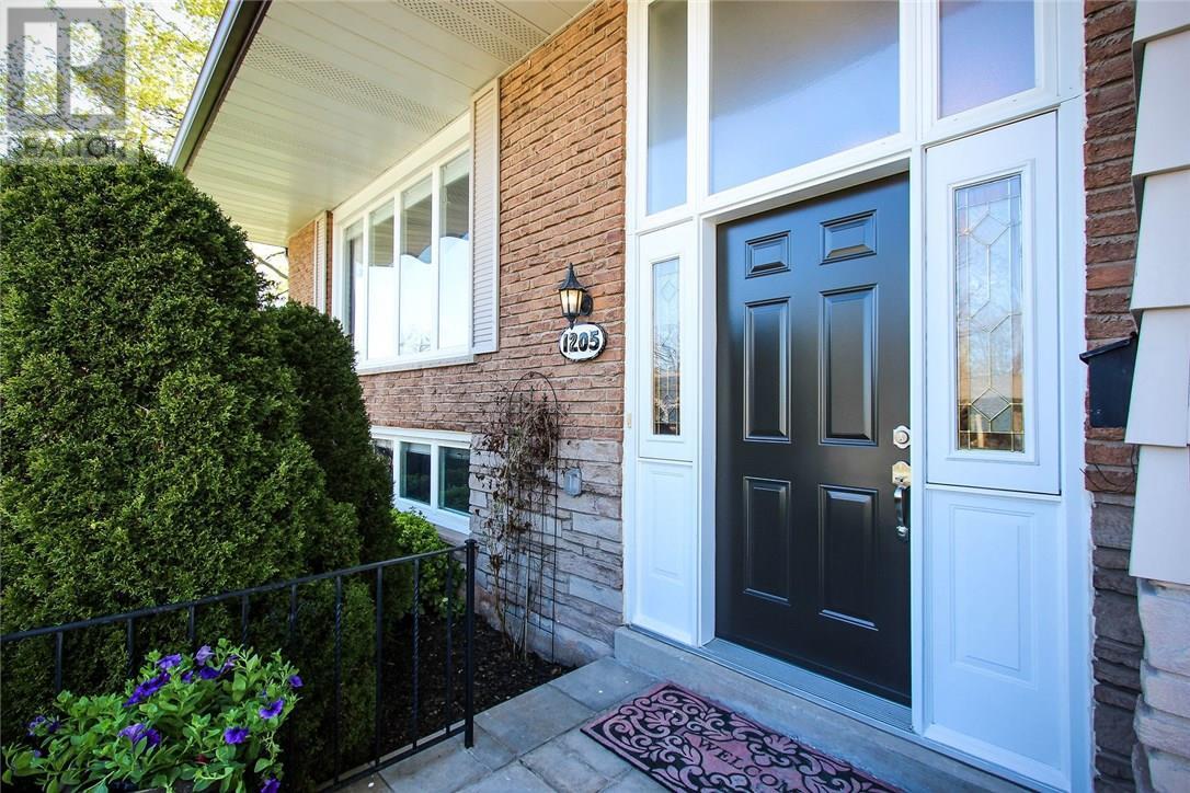 1205 Falgarwood Drive, Oakville, Ontario  L6H 2L5 - Photo 2 - 30733415